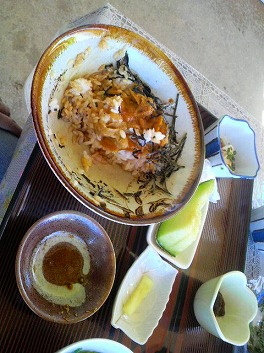 古宇利島 名物 ウニ丼